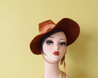 Vintage 1940's Caramel Brown Wool Hat   Novelty Hat