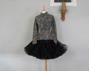 Fabulous 1960s Paisley Blouse with Pleated Skirt / Peplem