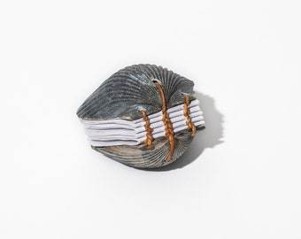 Small Scallop Shell Journal | Gray, Coptic Stitch