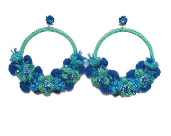 (Crocheted) earrings embroidered unique, made entirely by hand, will go Gelezkaja