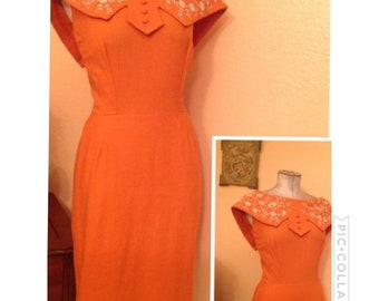Vintage 1950s peach dress with floral embroidered S/M