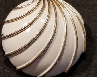 Vintage White Enamel Gold Tone Metal Brooch Pin
