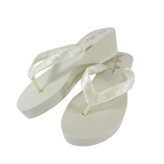 2 Ivory 3 height or Classic 5 Wedge Bride Plain heel White Platform 1 Bridesmaid flops flip Sandals 25 Wedge Flip Flops Wedge Satin fqxZwtH6f
