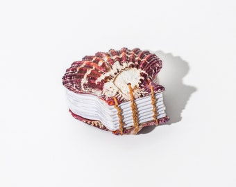 Small Pectin Pallium Shell Journal | Maroon and White, Coptic Stitch