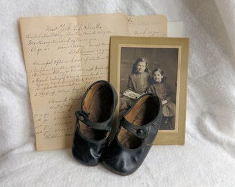 Childs Mary Jane Shoes - Vintage Girls Shoes - Black Leather Girls Shoes- Shabby Chic Doll Shoes