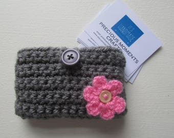 Crochet business card pouch holder with flower