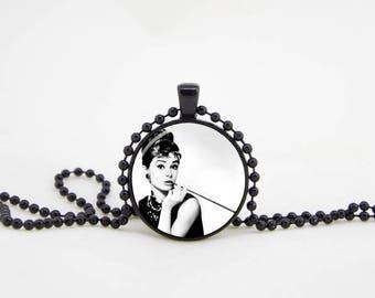 audrey necklace,hepburn necklace,audrey hepburn quote,hepburn pendant,audrey jewelry,paris necklace, audrey pendant, audrey hepburn party