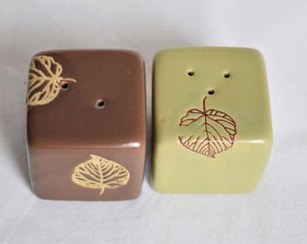 Vintage Ceramic Salt and Pepper Shakers with Brown-Veined Leaf Outlines/Vintage Tableware