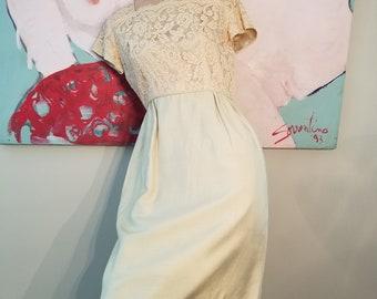 FREE SHIPPING  1950  Lace  Silk  Hourglass  Dress