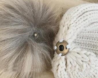 Add a snap button on your fur pom pom.