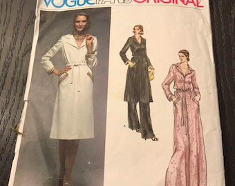 Vogue, Givenchy 1555, Size14