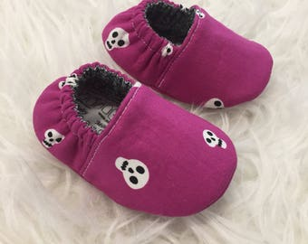 3-6mo RTS Baby Moccs: Skulls Magenta / Baby Shoes / Baby Moccasins / Childrens Indoor Shoes / Vegan Mocc / Soft Soled Shoe / Montessori Shoe