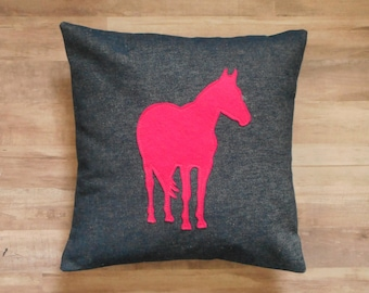 Horse Pillow Cover, Decorative throw pillows, Denim fabric with Felt Horse Applique, Equestrian Decor, Gift for girls
