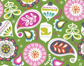 Treelicious - Holiday Baubles in Green - 1 yard - Blend Fabrics
