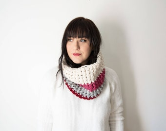 Knit Scarf Chunky Cowl - The ROSE - Red Pink Grey White Crochet Circle Cowl