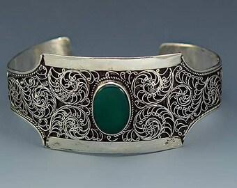 Chrysophrase And Sterling Silver Cuff Bracelet Bezel Set Stone
