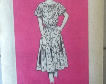 "Mail Order Printed Dress Pattern 4860 Size: 18, Bust 40"", Waist 32"", Hip 42"""