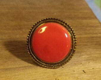 Stunning Deep Coral Pink Moonglow Ring- Gold Tone size 6