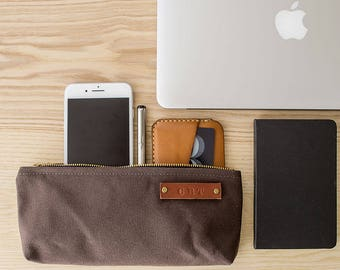 STOCK POUCH | Lightly Waxed Canvas Zipper Case | Optional Personalization | Brown