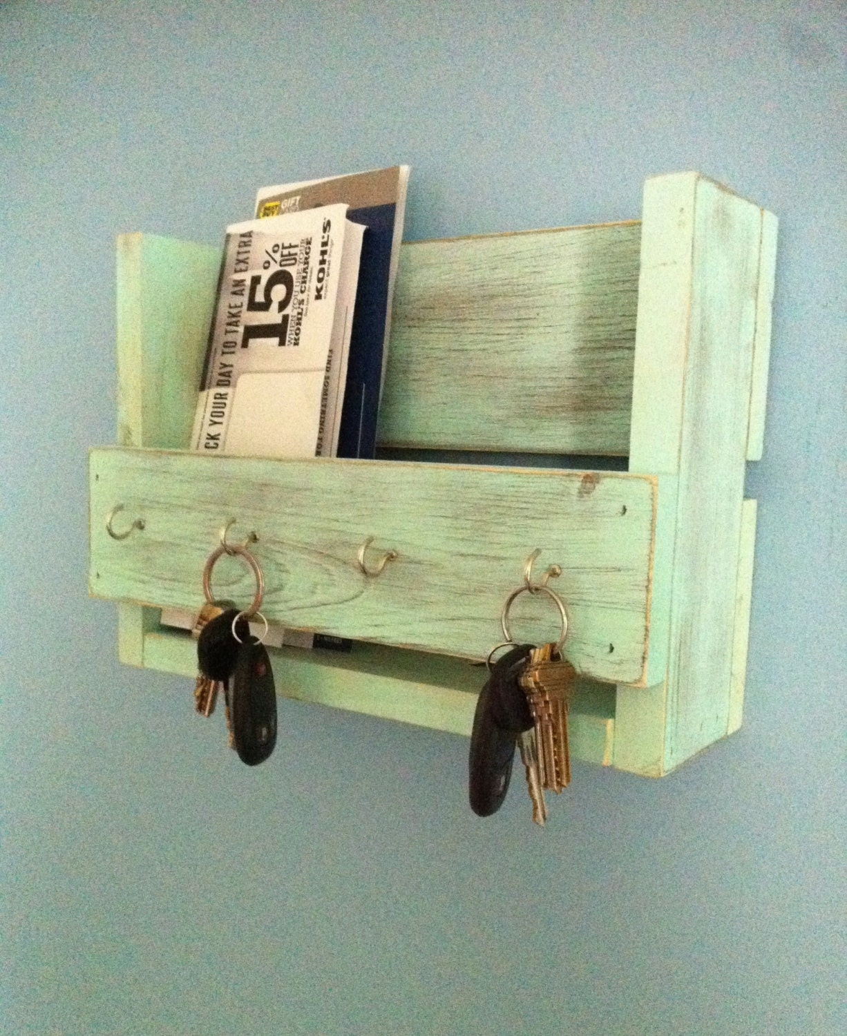 zoom Rustic key holder mail organizer aqua