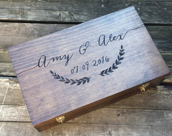 Wedding gift for wine lovers, wedding wine box, double wine box, memory box, advice card box, personalized wine box, laurel wine box, shower