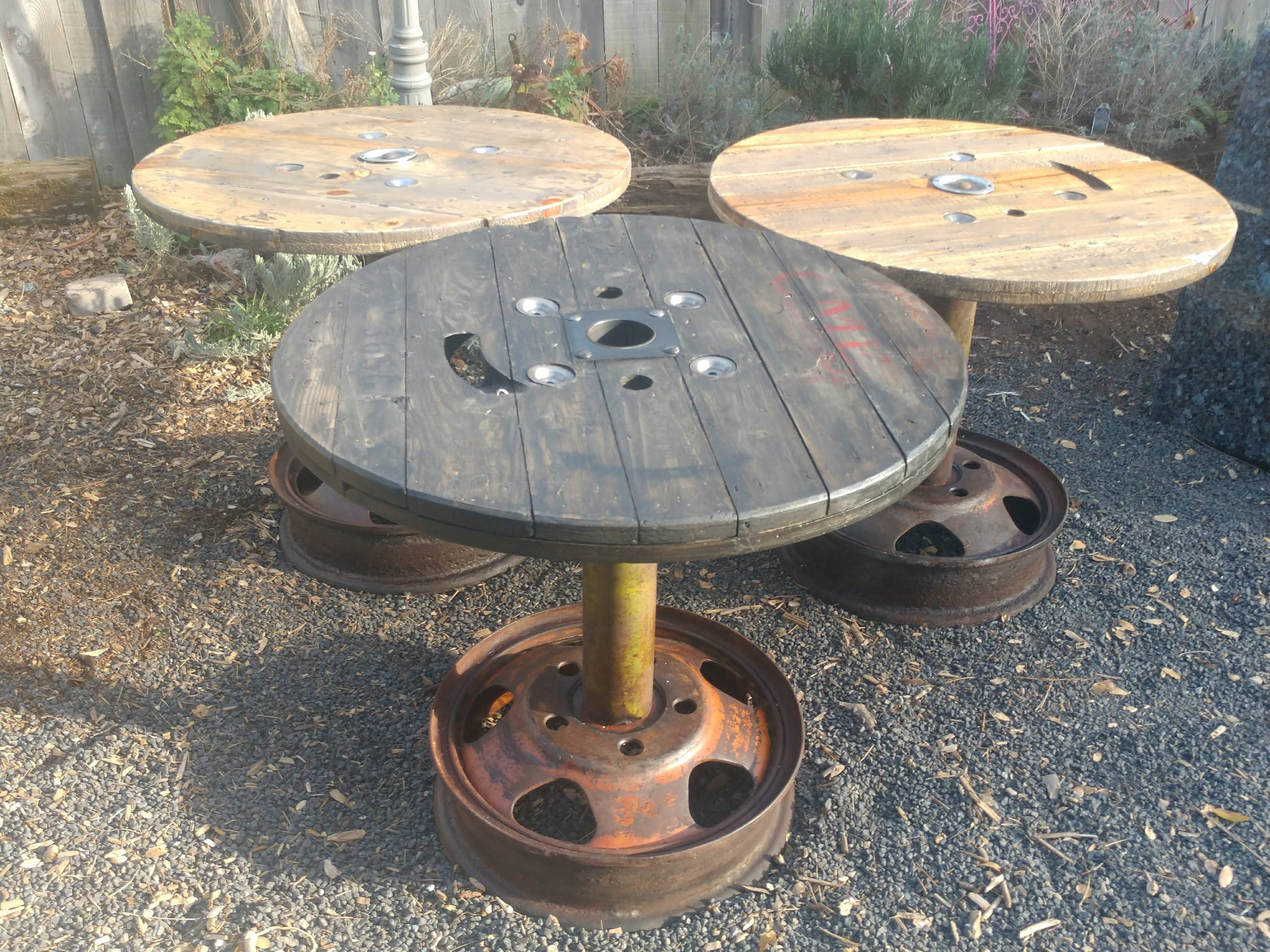 Reclaimed Spool Table Old Wheel Base Reclaimed Rustic Cafe Pub # Muebles Pub Irlandes