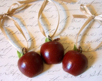 Apple Ornaments - The Apple Collection - Shiny Juicy Apple Ornament Set