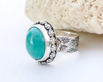 Turquoise Flower Ring Size 6 3/4, Sterling Silver Hand Stamped Leaf Pattern Wide Band, Unique Silversmith Floral Design, Gift for Gardener