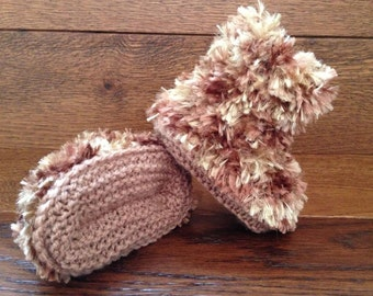 Hand Knitted Baby Booties Boots Slippers Soft Faux Fur Teddy Brown  0-12 Months UK Seller Boy / Girl