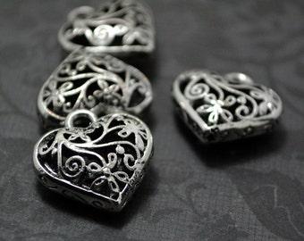 4pcs of Antiqued Silver Unique 3D Filigree Heart Drop Charms Pendants Drops Q41-YX