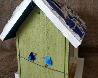 Bird feeder with stained glass roof, and stain glass birds. Ship fast!