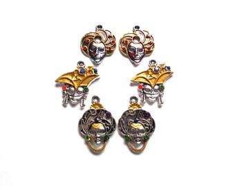 2 silver Venetian masks customized hands old gold and Swarovski (3 designs of 25-30 mm) - 2 Venetian masks 3 models w/rhinestones