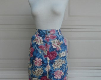 SALE 80s Floral Denim Skirt in Pink & Blue Print S-M