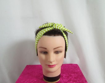 Chic vintage hard to tie headband lime green and white zigzag