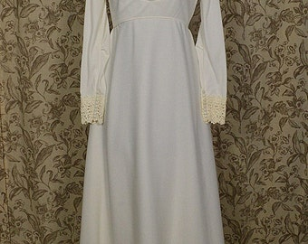 Vintage1970s Ivory Empire Waist Wedding Dress/Gown, Alfred Angelo w Train, Size 10