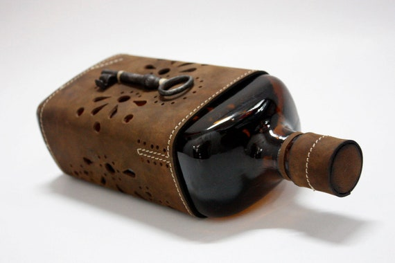 Transilvanian Souvenir, Dracula Leather Cased Bottle, Full Grain Leather Cased Bottle, Handmade Bottle case, made to order