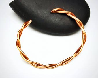 Handmade Copper Bracelet in Twisted Pattern / Custom Made to Order/ 7th Wedding Anniversary/ Gift for Her/ Copper Cuff Bracelet