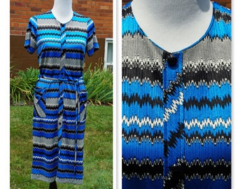 Vintage Zig Zag Dress, 70s Belted Button Down, Day Dress, Summer, Transitional, Wear to Work