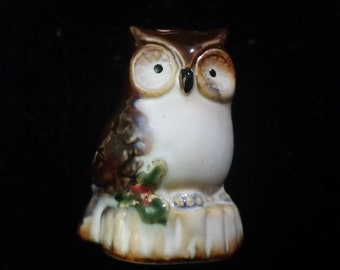 Owl Pepper Shaker - vintage ceramic glazed figurine