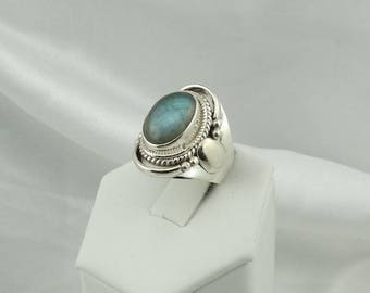 Vintage Blue Flash Oval Labradorite in a Sterling Silver Saddle Ring  #LABSADDLE-SR2