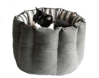 Wool cat bed, cat pouf, modern cat furniture, pet bed, luxury cat  bed, cat bed diy ,feather cat bed, wool cat furniture