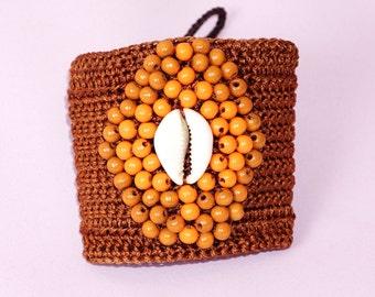Brown waxed thread - shell crochet bracelet