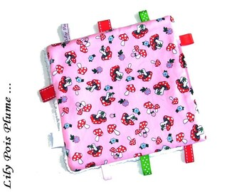 Taggy square pink mushroom red dots