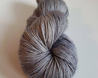 Superwash Merino skein - Fingering / Sock hand - dyed color ash