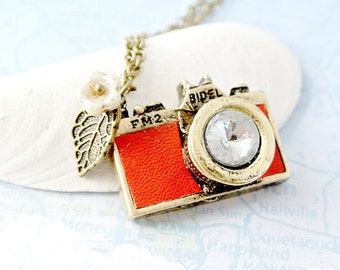 Red Leather Camera Necklace, Photographer Necklace, Photographer Gifts, Wedding Photographer Gifts, Photo Necklace,Miniature Camera Necklace