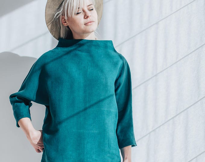 Linen Top with raised neck, 3/4 sleeves