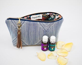 Essential Oil Bag, Essential Oil Case, Tassel Essential Oil Bag- holds up to 14 bottles, any brand! Clip on leather tassel included!