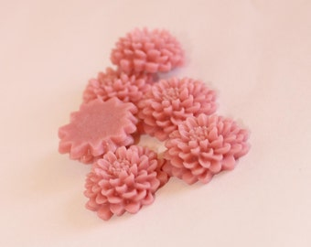 10 CHRYSANTHEMUM Cabochons - 20mm - Petal Pink Color