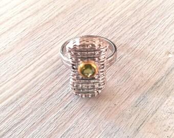 Silver ring, peridot stone