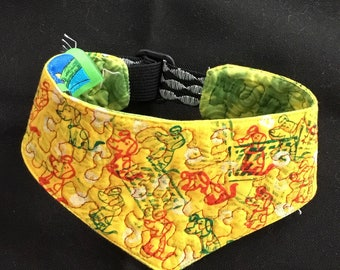 QK1-1718 XS Red Green Dog Print on Yellow Quilt-Kerchief